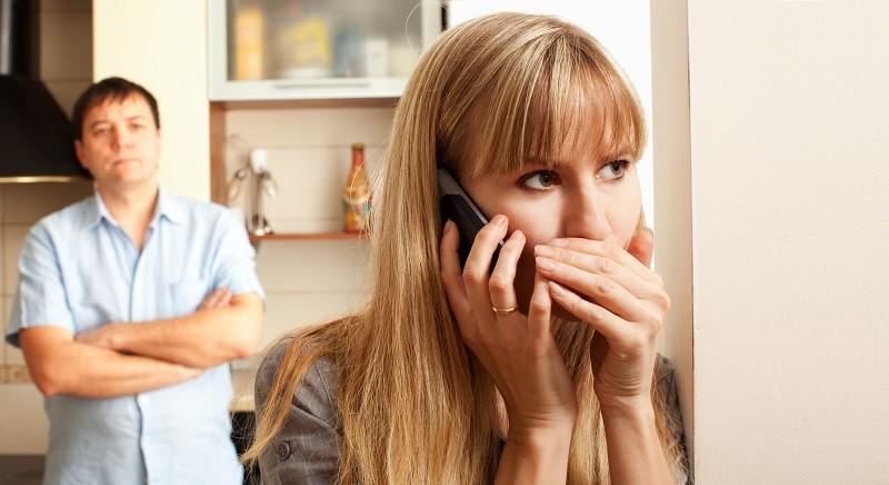 علایم خیانت در زنان شوهردار